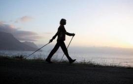 Chodzenie a nordic walking: wymagania metaboliczne